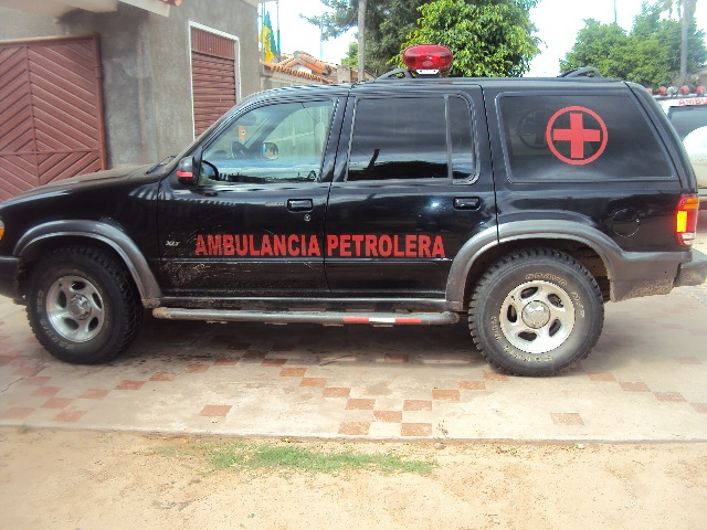 CS. Servicios  Ambulancia Ford Explorer 4x4 Mod. 2001