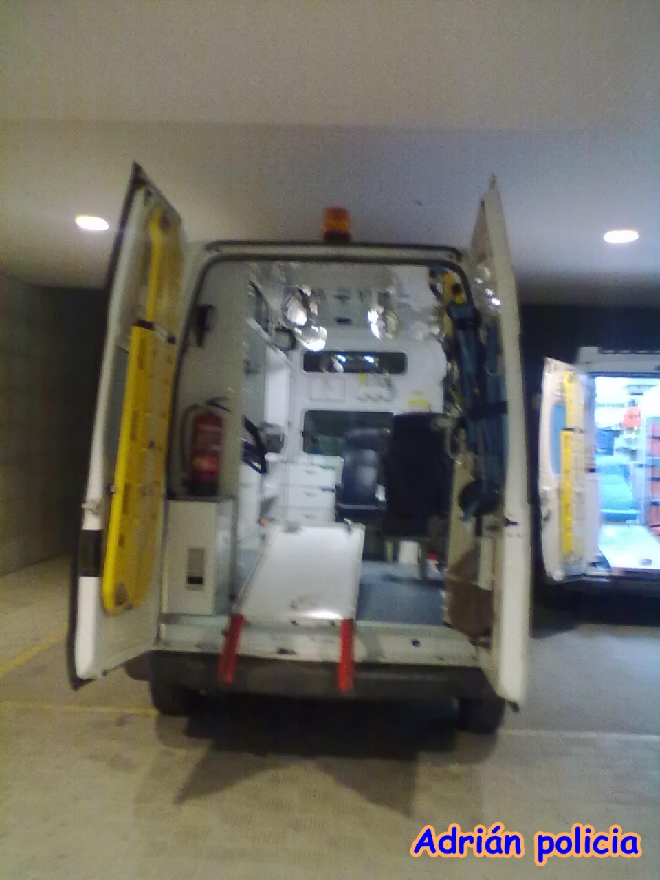Photo Ambulancia Interior Soporte Vital B Sico